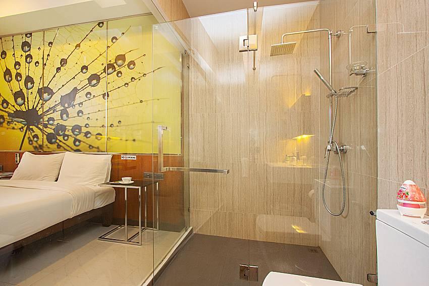 Shower Villa Yamini in Rawai Phuket