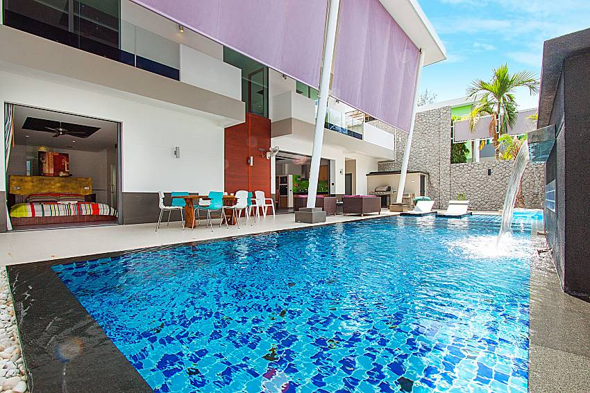 Swimming pool and property Villa Elina in Phuket