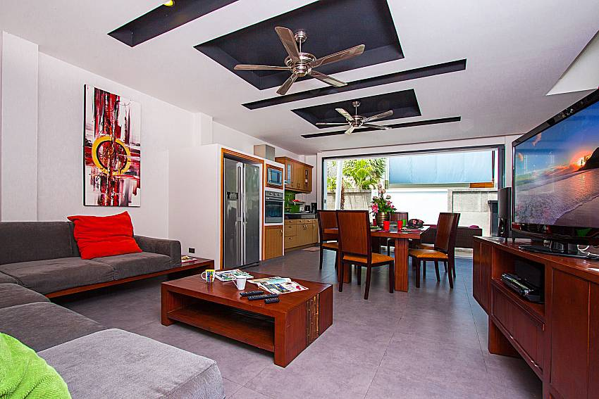 Living room with TV Villa Elina in Phuket