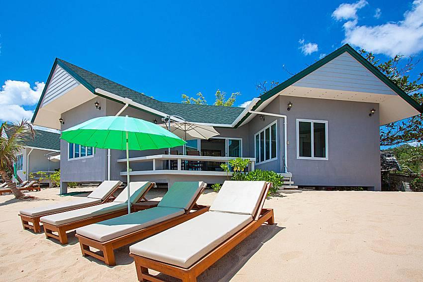 Sun bed and property Interstellar Beachfront Villa B in Samui