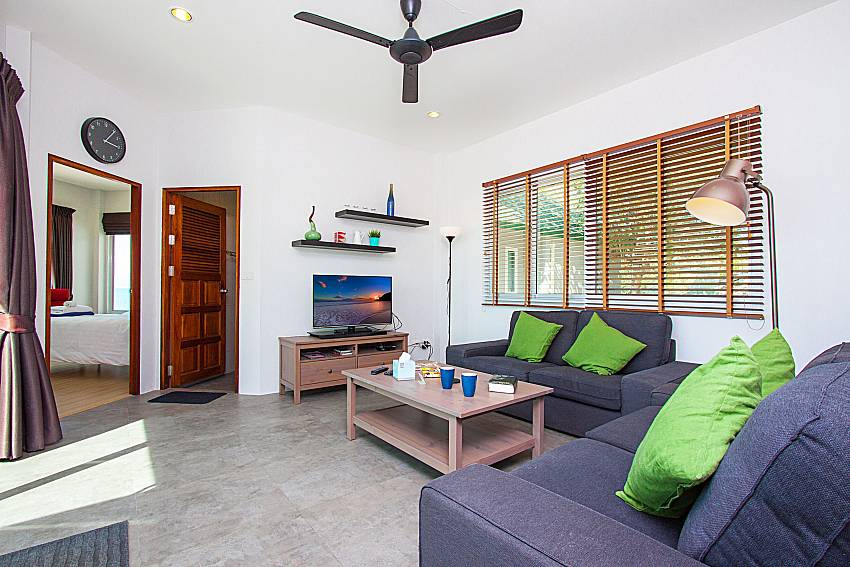 Living room with TV Interstellar Beachfront Villa A in Samui