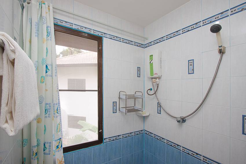 Shower Wan Hyud Villa No.204 at Chaweng in Samui