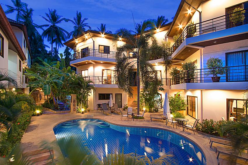Swimming pool and property Wan Hyud Villa No.103 at Chaweng in Samui