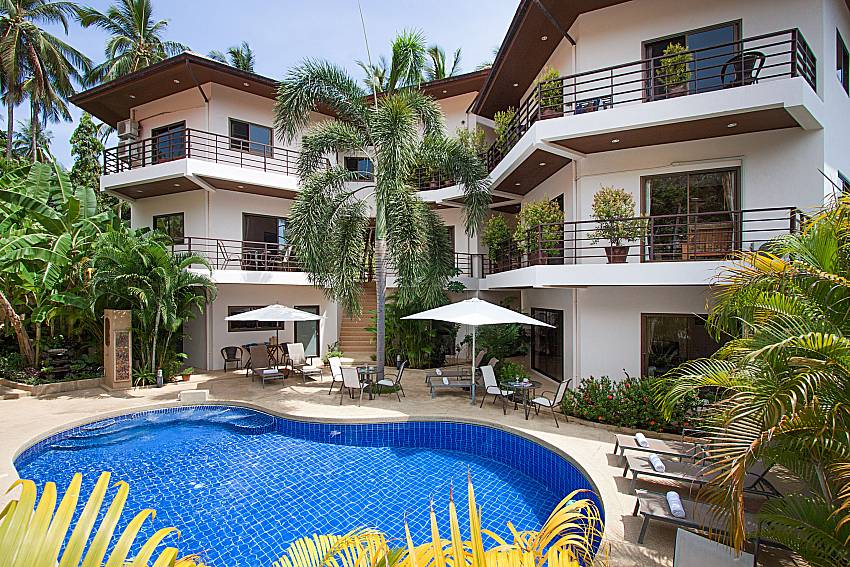Swimming pool and property Wan Hyud Villa No.101 at Chaweng in Samui