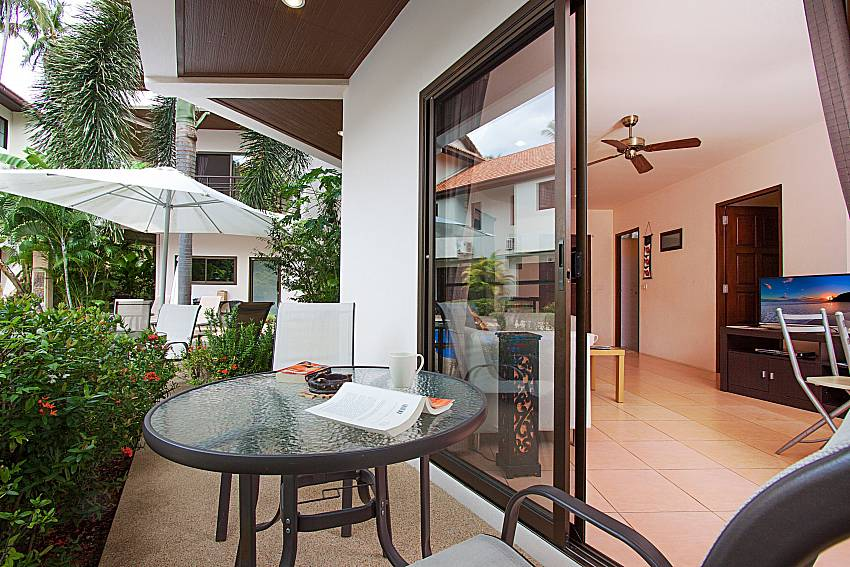 Seat and table Wan Hyud Villa No.101 at Chaweng in Samui