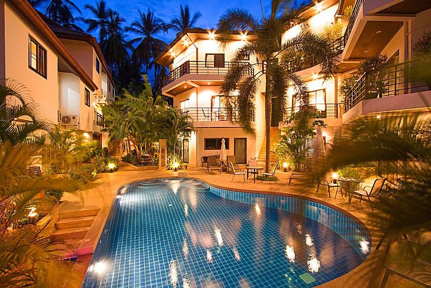 Swimming pool and property Wan Hyud Villa No.101 at Chaweng in Samui