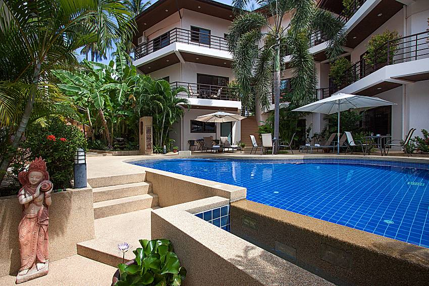 Swimming pool and property Wan Hyud Villa No.102 at Chaweng in Samui