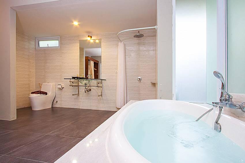 Bathroom with shower Moonscape Villa 101 in Koh Samui