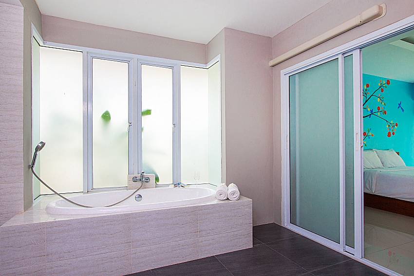 Bathroom with shower Moonscape Villa 102 at Chaweng in Samui