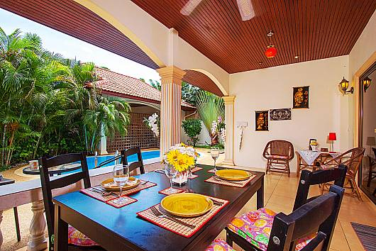 Rent Phuket Villas: Villa Genna - 2 Beds, 2 Bedrooms. 8900 baht per night