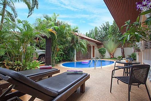 Rent Phuket Villas: Villa Genna - 2 Beds, 2 Bedrooms. 7090 baht per night