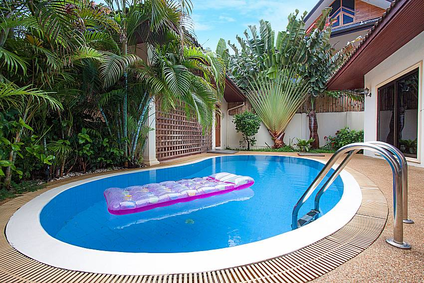 Swimming pool Villa Genna in Rawai Phuket