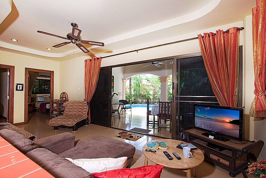 Living room with TV Villa Onella in Phuket