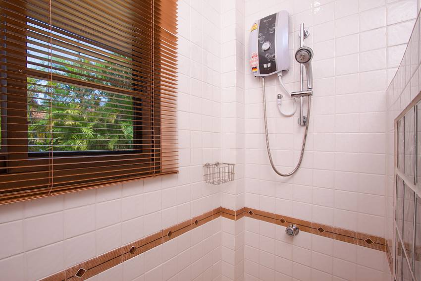 Shower Villa Onella in Phuket