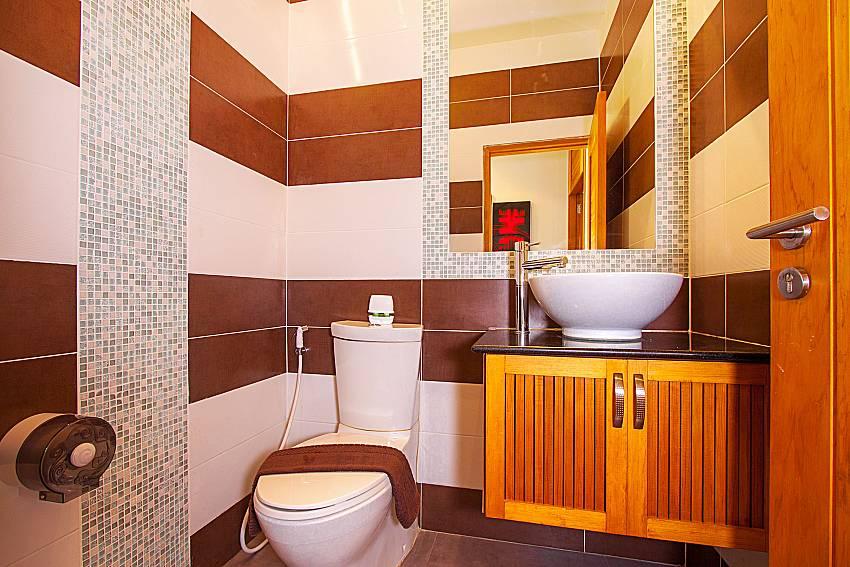 Toilet Villa Fullan in Phuket