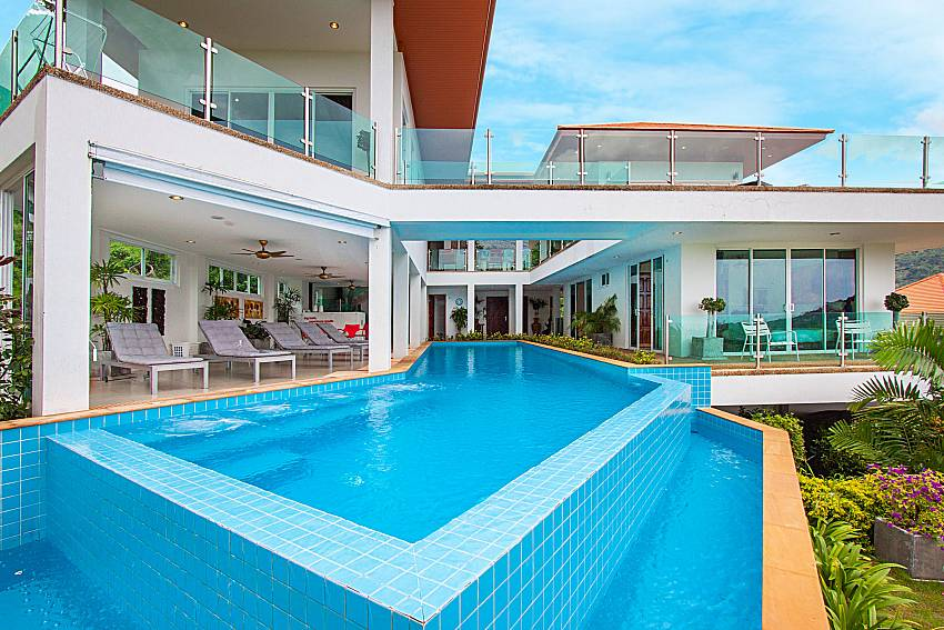 Swimming pool and property Villa Niyati in Phuket