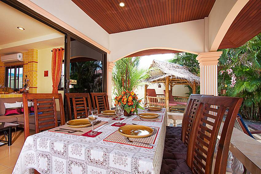 Dinning area Villa Maiki at Rawai in Phuket