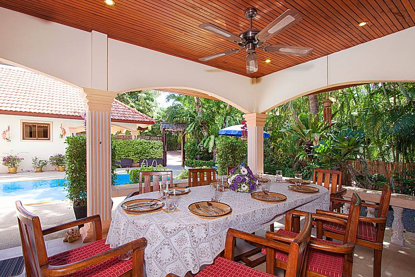 Dinning area Villa Oditi in Phuket