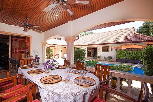 Rent Phuket Villas: Villa Oditi - 5 Beds, 5 Bedrooms. 15600 baht per night