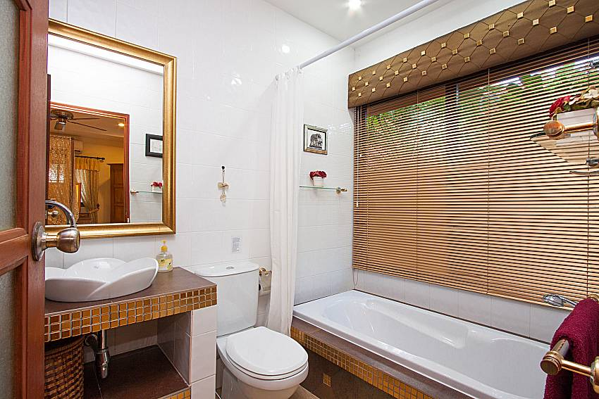Bathroom Villa Oditi in Phuket