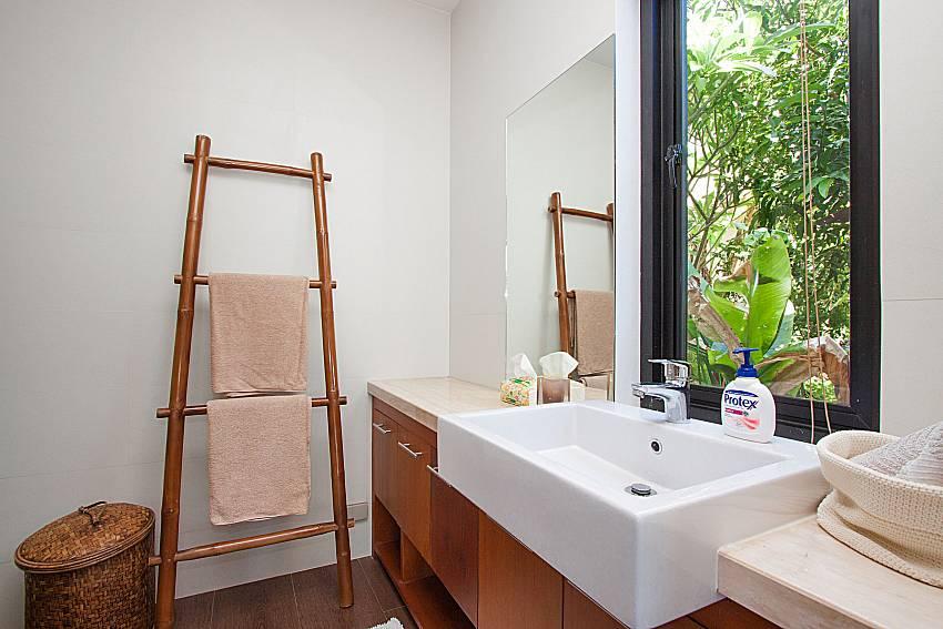 Bathroom Phukea Villa in Koh Samui