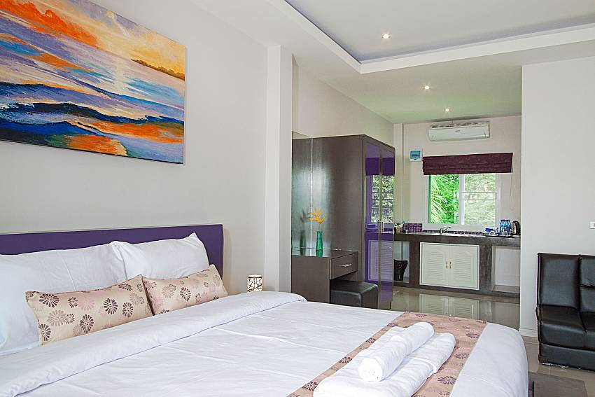 Bedroom Lannister Villa Resort in Bangsaray Pattaya