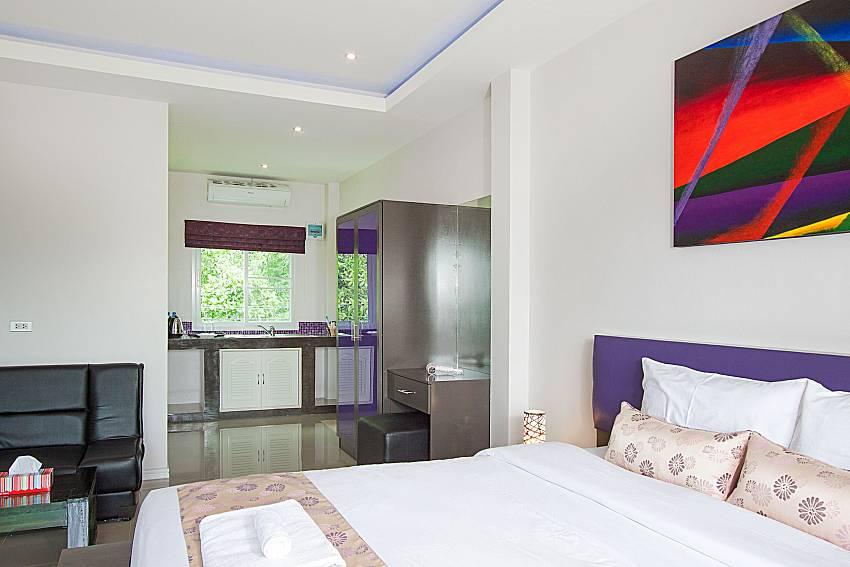 Bedroom Lannister Villa Resort in Bangsaray Pattaya