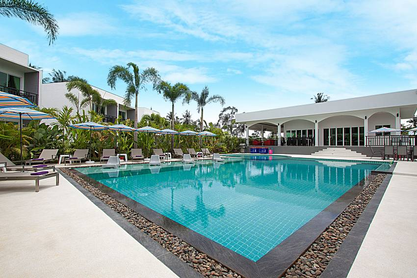 Swimming pool and property Lannister Villa Resort in Bangsaray Pattaya