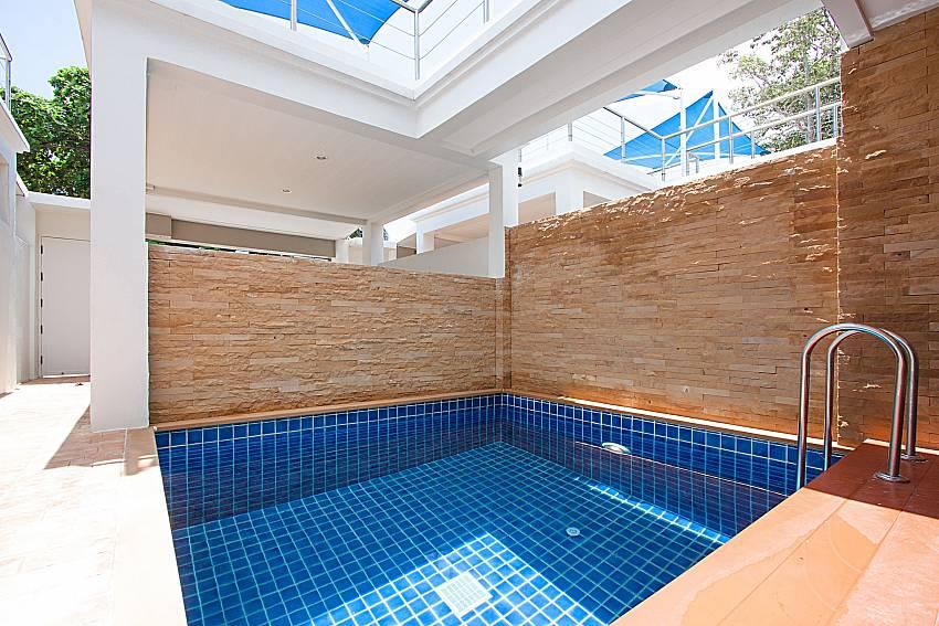 Swimming pool Bangsaray Beach House B at Bangsaray Pattaya