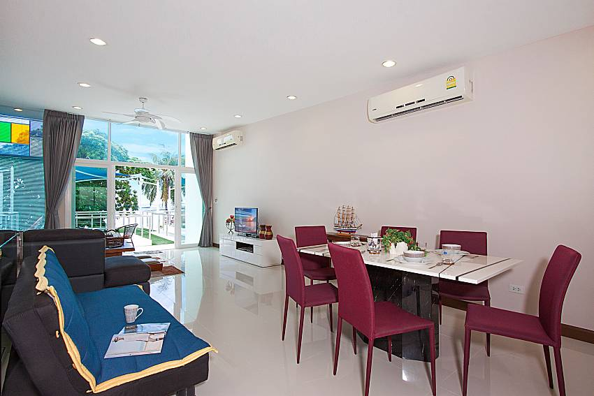 Dinning area Bangsaray Beach House B at Bangsaray Pattaya