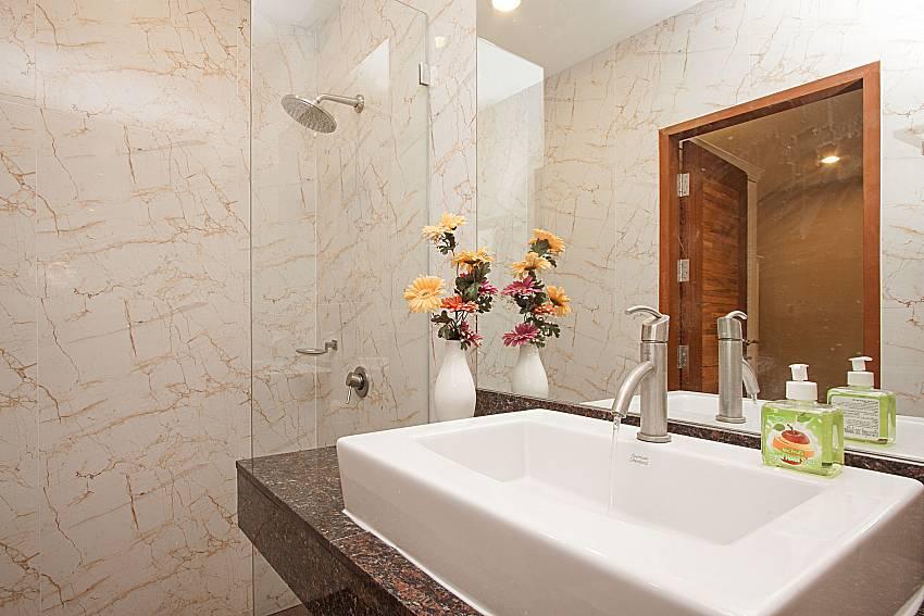 Bathroom with shower Bangsaray Beach House B at Bangsaray Pattaya
