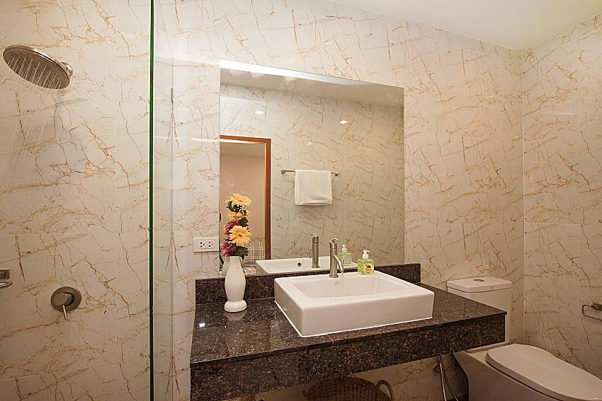 Bathroom with shower Bangsaray Beach House B at Bangsaray Pattaya
