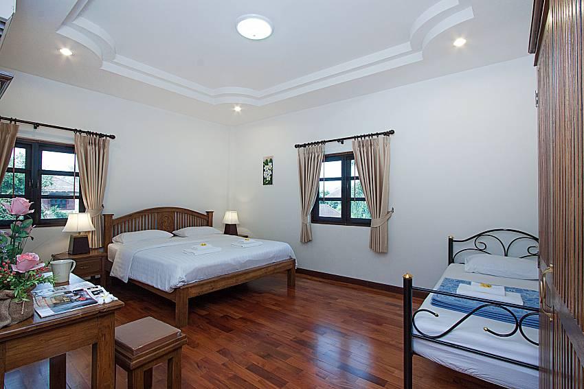 Bedroom Lanna Karuehaad Villa B in Chiang Mai