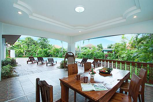 Rent Chiang Mai Villa: Lanna Karuehad Villa B - 7 Beds, 7 Bedrooms. 23000 baht per night