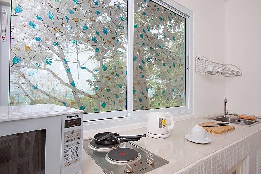 Kitchen Villa Mak Di 102 in Samui