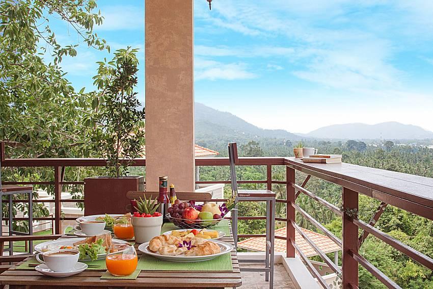 Dinning area Villa Mak Di 102 in Samui