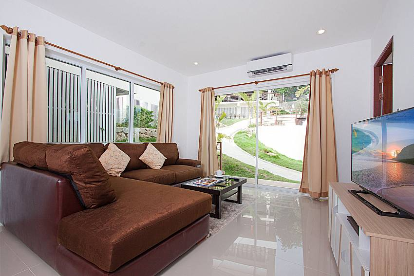 Living room with TV Villa Mak Di 103 in Samui