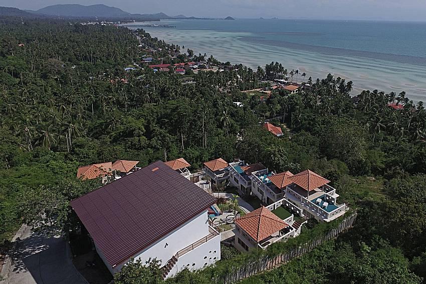 Top view of property and sea view Villa Mak Di 104 in Samui
