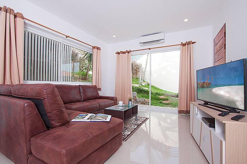 Living room with TV Villa Mak Di 104 in Samui