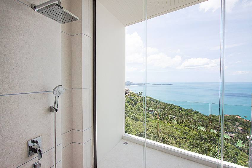 Shower Sky Dream Villa in Samui