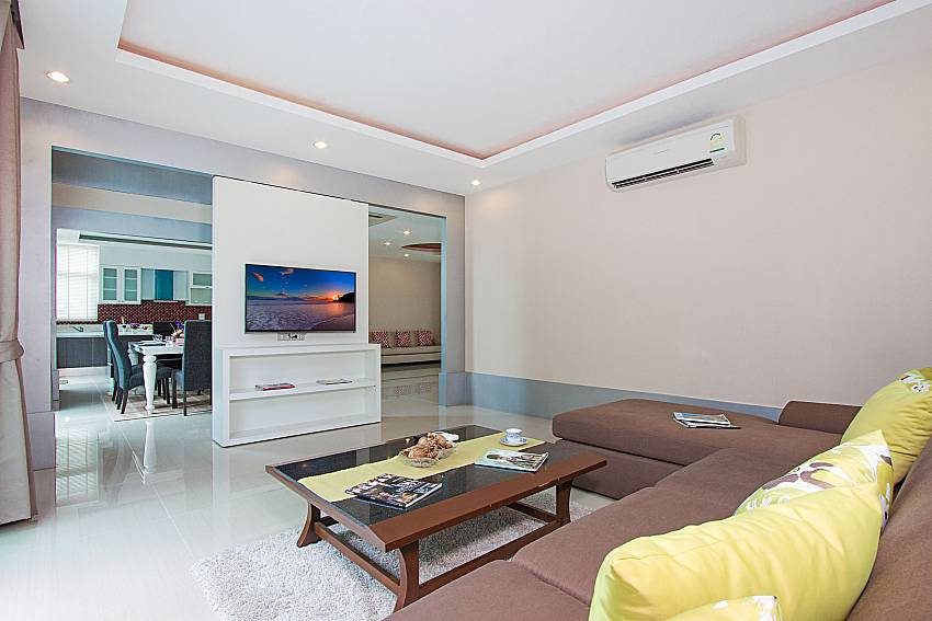 Living room with TV Villa Modernity A in Pattaya
