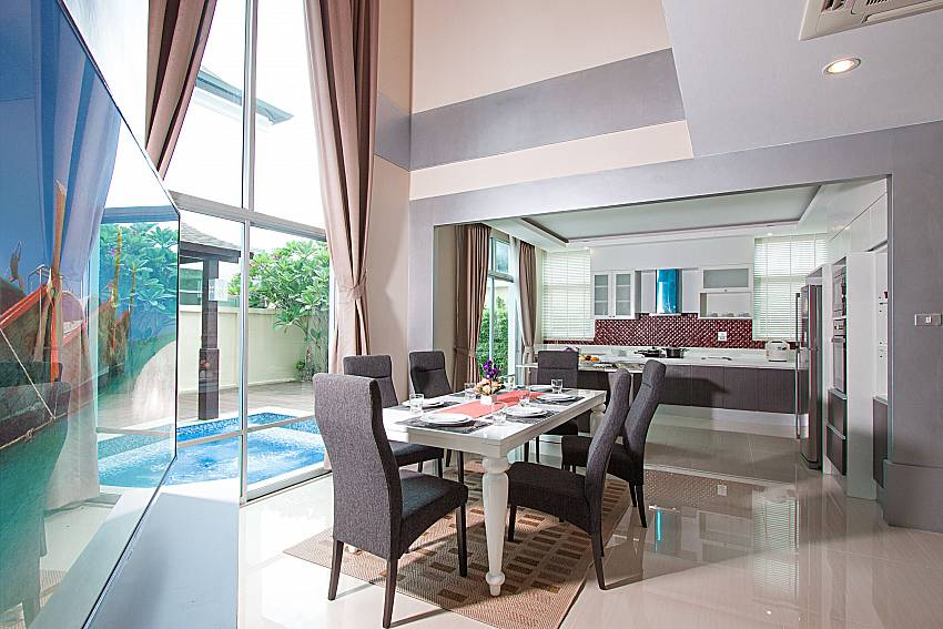 Dinning area with TV Villa Modernity A in Pattaya