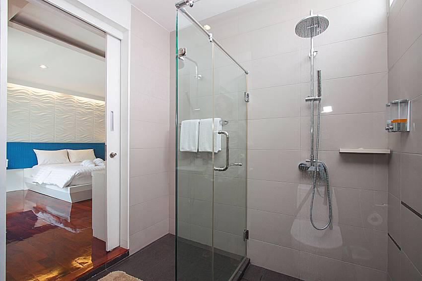 Shower Villa Modernity A in Pattaya