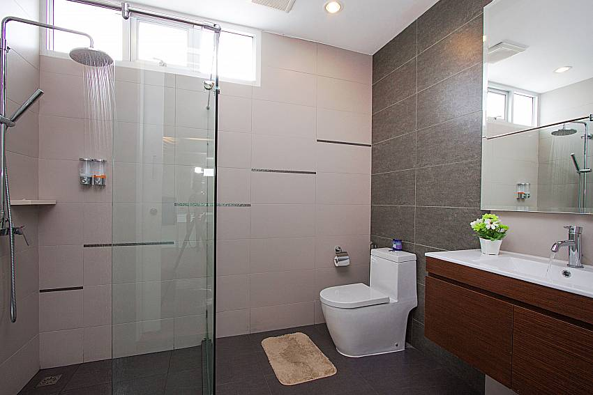 Bathroom with shower Villa Modernity A in Pattaya
