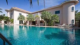 Camelot Villa | Grandiose 5 Betten Villa in Ost Pattaya