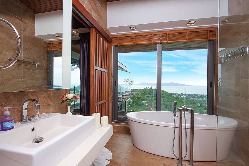 2. bathroom with sea view-Villa High Rise_Bophut_Samui_Thailand