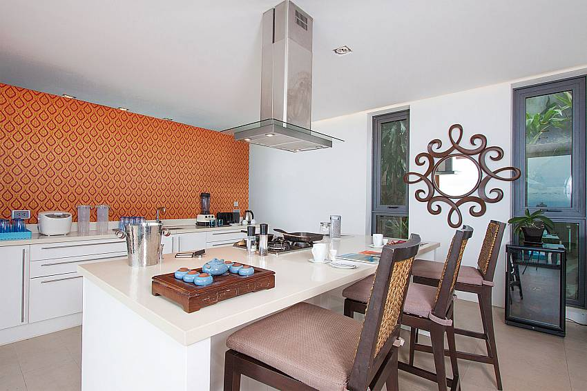 kitchen with breakfast bar-Villa High Rise_Bophut_Samui_Thailand