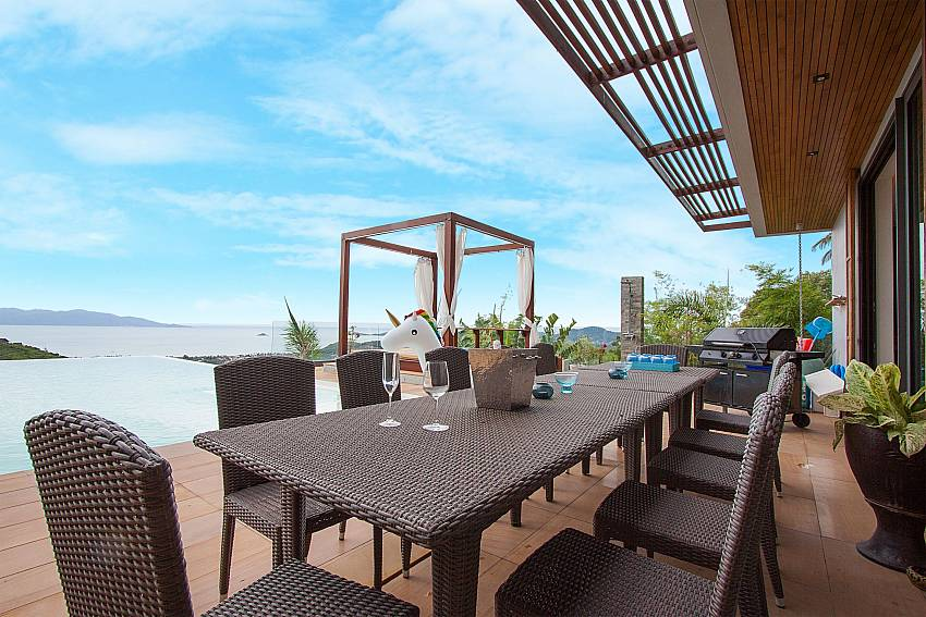 Outdoor dining table with sea view-Villa High Rise_Bophut_Samui_Thailand