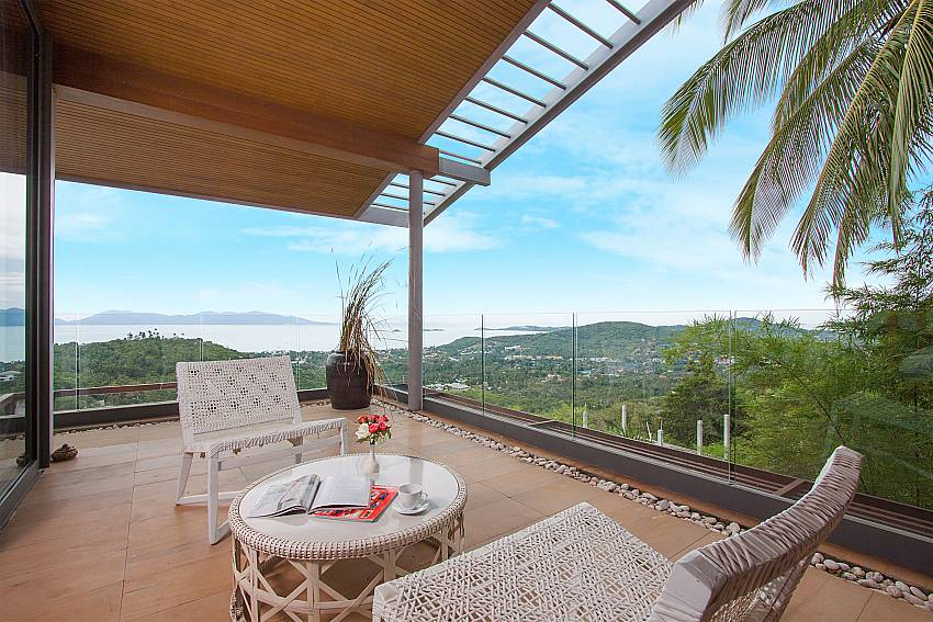 private balcony of 1. bedroom-Villa High Rise_Bophut_Samui_Thailand