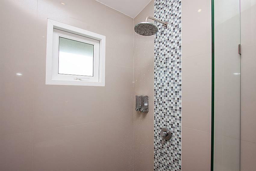 Shower Villa Janani 202 in Samui
